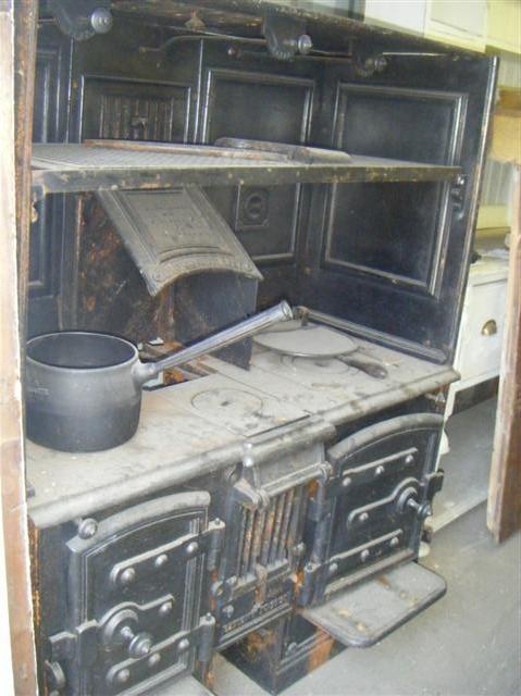 Large Cooking Range